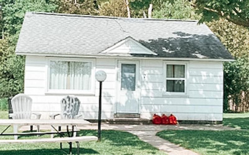 Lindberg's Cove Resort Cottage #7